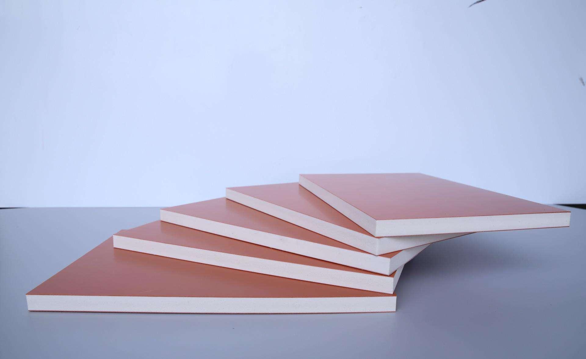 PVC广告板生产加工质量靠谱的原因是什么?